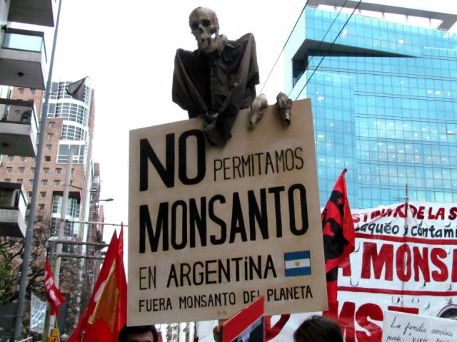 Manifestación contra la instalación de planta de Monsanto en Córdoba.