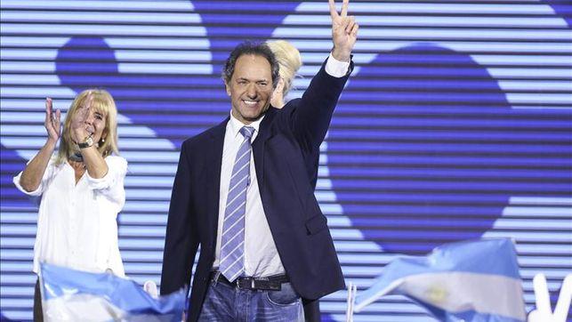 Scioli-primarias-posiciona-presidenciales-Argentina_EDIIMA20150810_0067_4